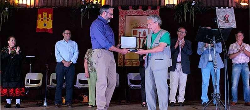 Pepe Buitrago nombrado ˝Lugareño del Año˝ en representación del Centro de Holografía y Artes Dados Negros